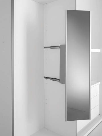 Custom closets by Pianca, custom closet design, custom closet solutions, custom-built closets, closet installation, high-end closets, high-quality closets, Italian closet, modern design
