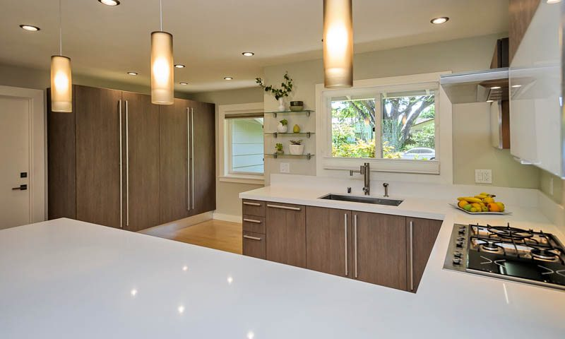 Quartz countertops by Caesarstone and Silestone, kitchens, bathrooms, new homes, kitchen remodeling. Professional installation with kitchen cabinets.